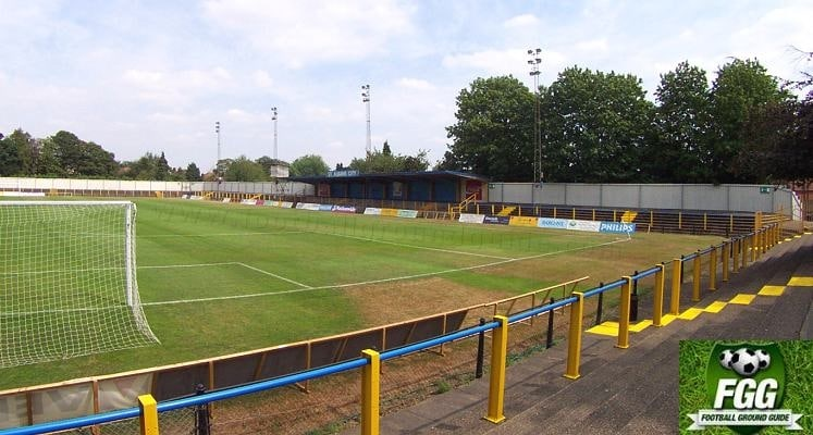 st-albans-city-fc-clarence-park-cricket-pitch-side-1423850095