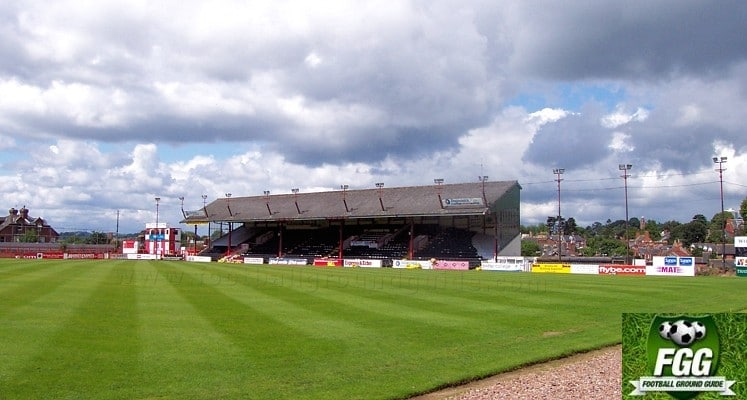 st-james-park-exeter-city-fc-grandstand-1419343554