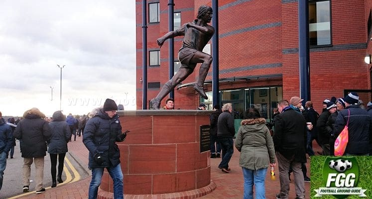 the-hawthorns-west-bomwich-albion-fc-tony-bomber-brown-statue-1423318307