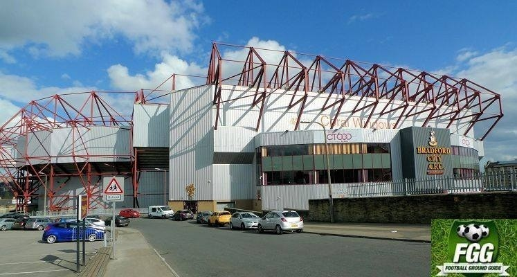 valley-parade-bradford-city-fc-main-stand-external-view-1451500643