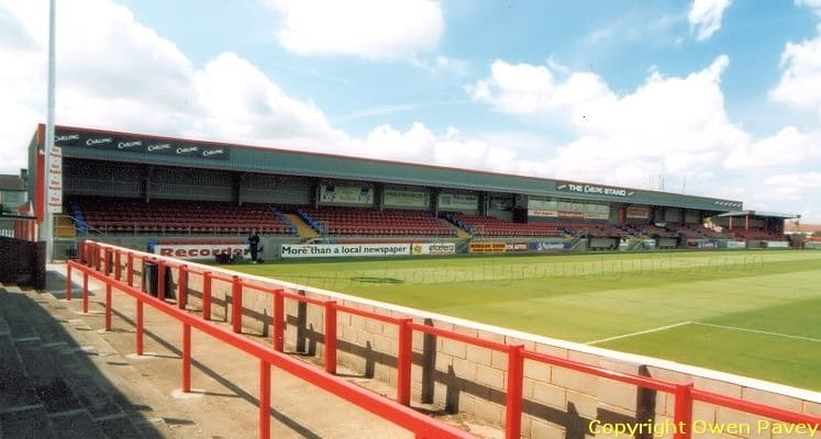victoria-road-dagenham-and-redbridge-fc-carling-stand-1419336951