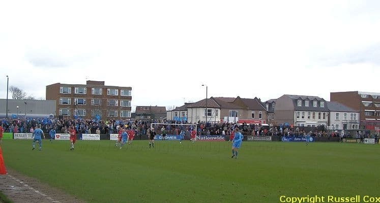 welling-united-fc-high-street-end-1421159845