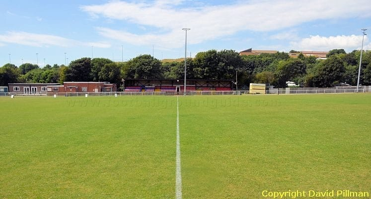 whitehawk-fc-the-enclosed-ground-main-stand-1422975583