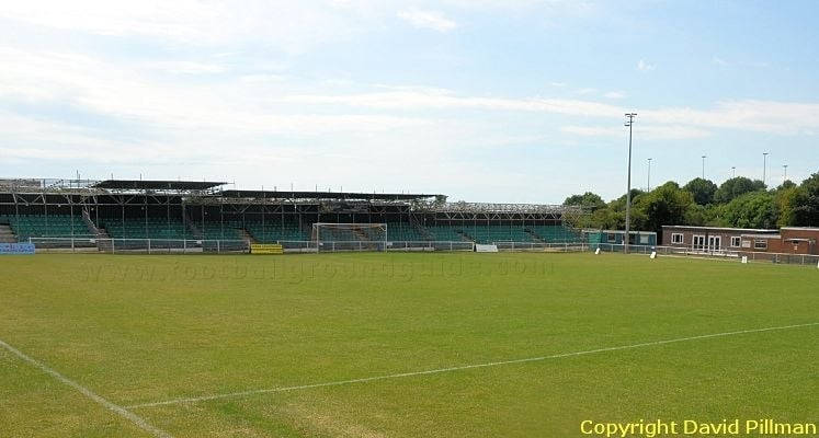 whitehawk-fc-the-enclosed-south-end-1422975584