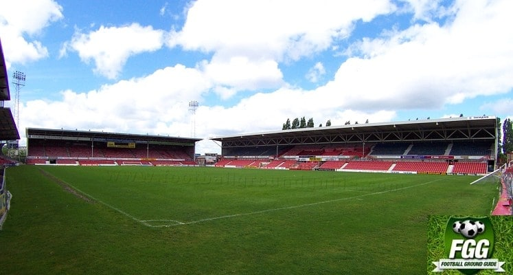 wrexham-afc-racecourse-stadium-1421340879