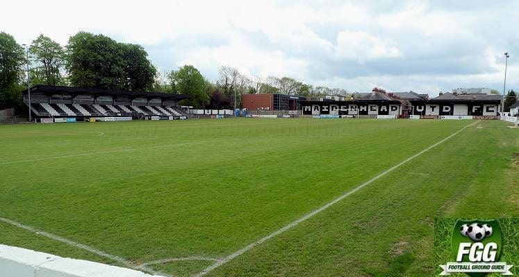 york-road-maidenhead-united-railway-stand-and-bell-street-end-1516052117